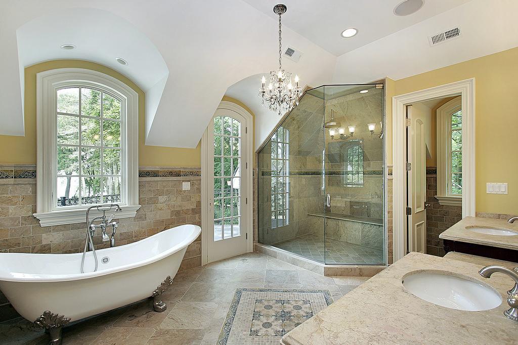 Luxury-Bathroom-chandelier