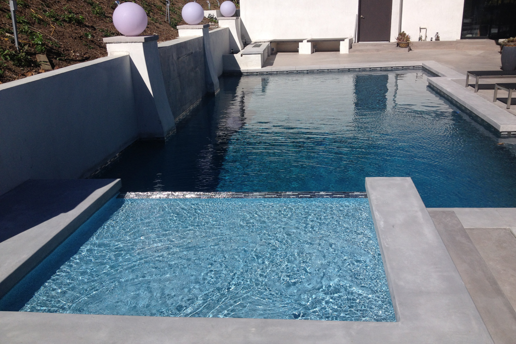 Modern-Pool-Design-in-Ventura